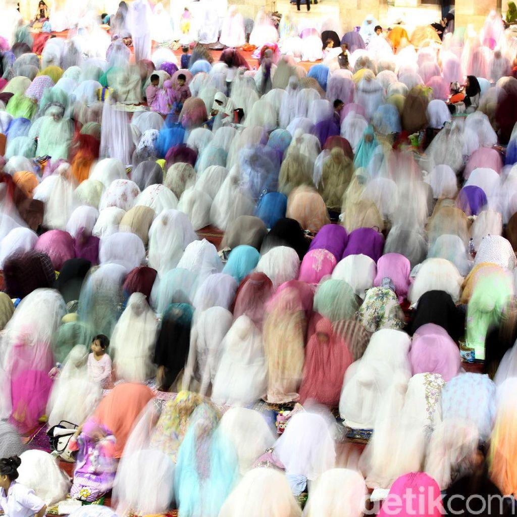 Begini Suasana Salat Tarawih Pertama di Masjid Istiqlal
