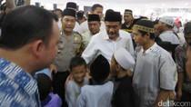 Tarawih di Masjid Raya Jakarta, Djarot Minta Maaf ke Jemaah