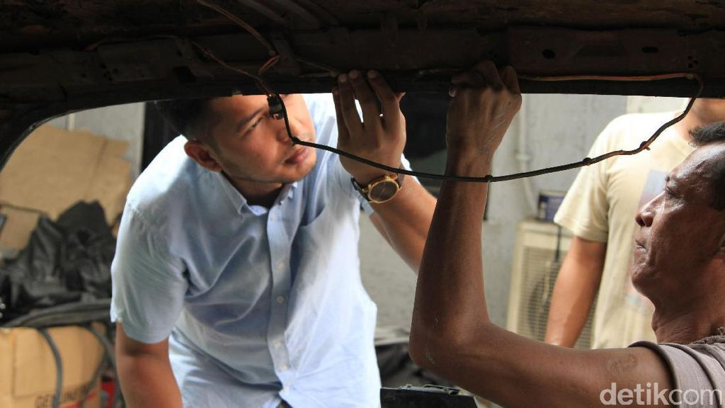 Ngoprek Mobil Klasik ala Fix Garage