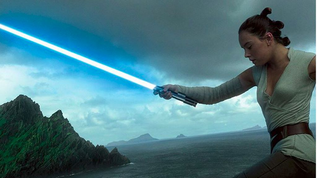 Lightsaber Milik Anakin Skywalker Resmi Jadi Milik Rey
