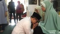 Jelang Ramadan, Bupati Anas Ajak Warga Sungkem ke Orangtua