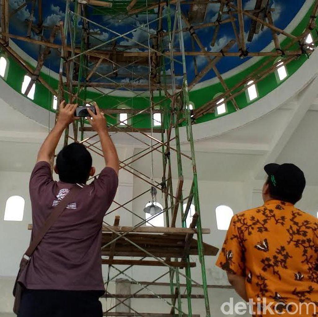 Bambang Tewas Jatuh dari Ketinggian 8,5 Meter Saat Lukis Kubah Masjid