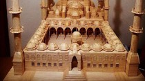 Keren! Seniman Suriah Bangun Masjid Mini dari Stik Es Krim