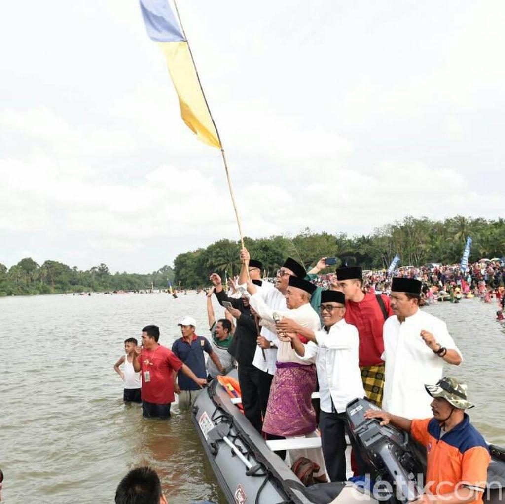 Sambut Ramadan, Gubernur Riau Buka Gelaran Balimau Kasai