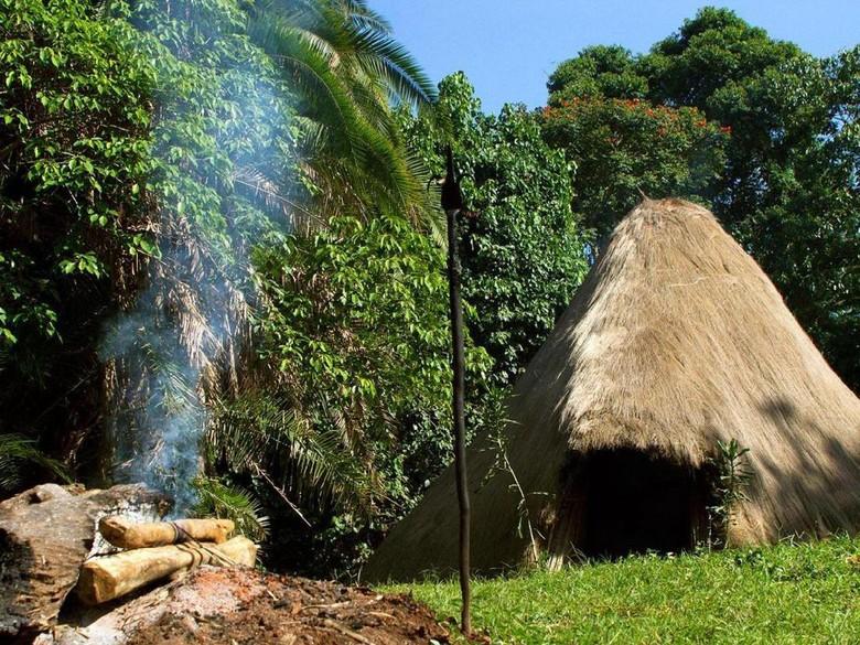 Kisah Suku Penjaga Roh & Keturunan Manusia Super di Uganda