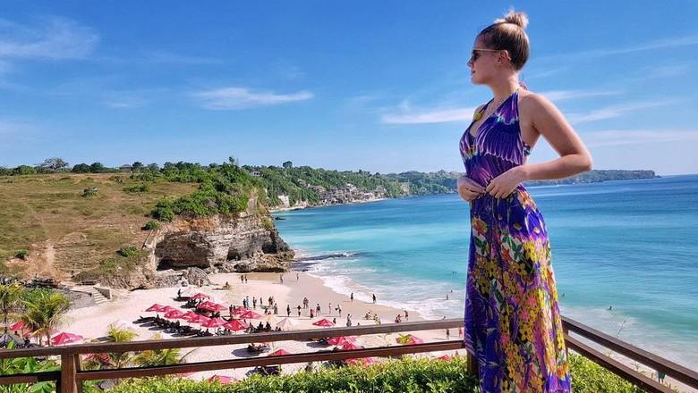 Wanita Cantik Panama dan Indonesia