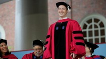 Gagal Lulus, Zuckerberg Minder Pidato di Depan Wisudawan