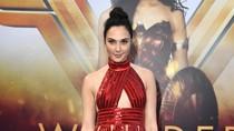Gal Gadot Pakai Sandal Murah ke Acara Premiere Wonder Woman