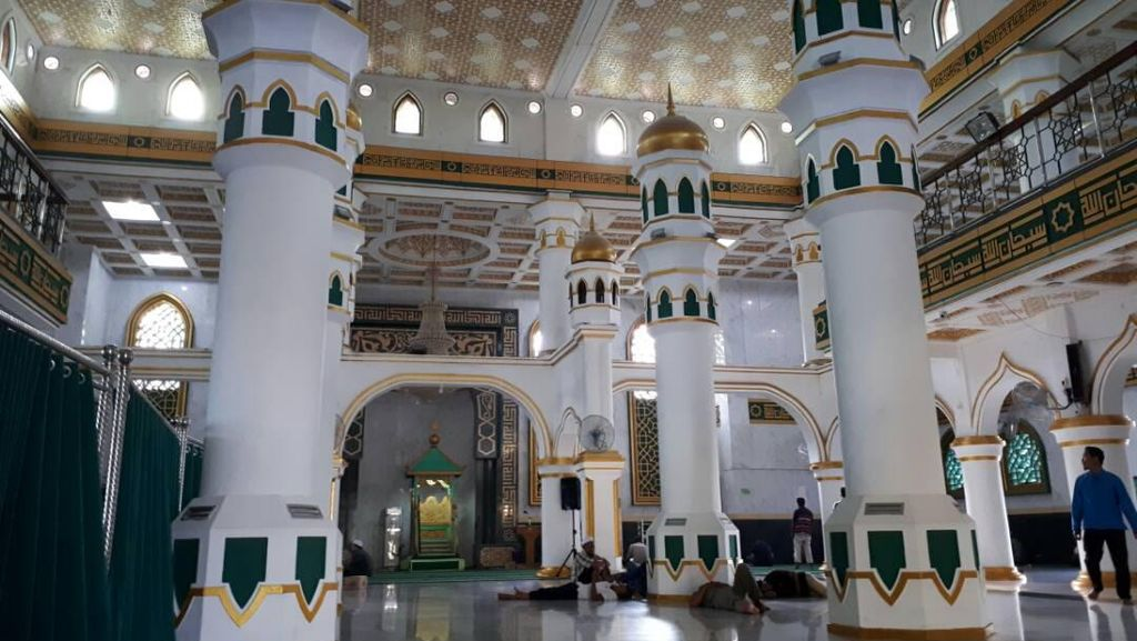 Masjid Raya Pekanbaru Kembali Gelar Salat Tarawih 1 Juz Semalam