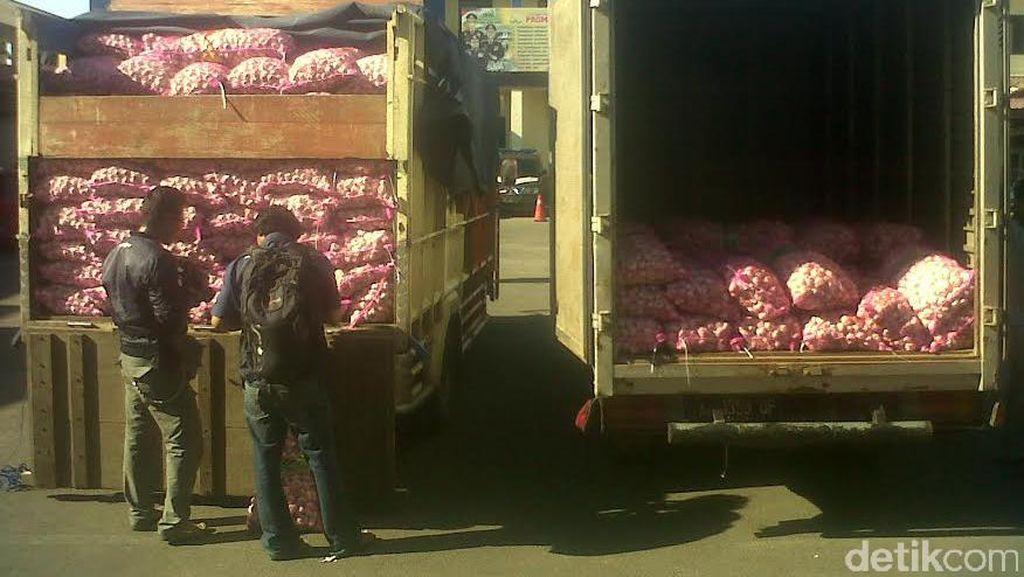 Penimbunan 12 Ton Bawang Putih Impor Digagalkan Polres Cilacap