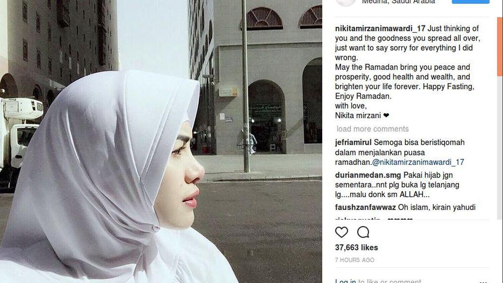 Ariana Grande Tulis Surat Melankolis, Nikita Mirzani Tampil Berhijab