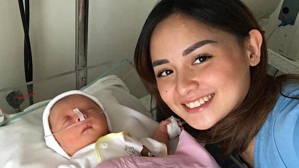 Anak ke-4 Joanna Alexandra Dipasang Alat Bantu Pernapasan, Ada Apa?
