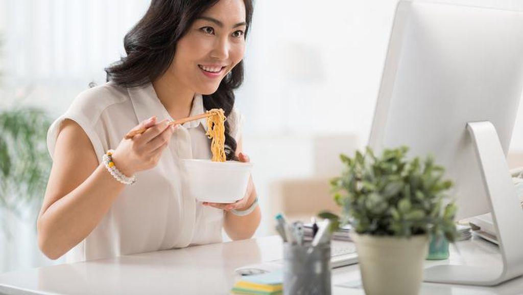 Makan Mie Instan 2 Kali Seminggu Bisa Picu Sindrom Metabolik pada Wanita
