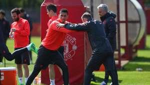 Ingin Buat Mourinho Terkesan, Smalling Tak Sabar Menuju Pramusim