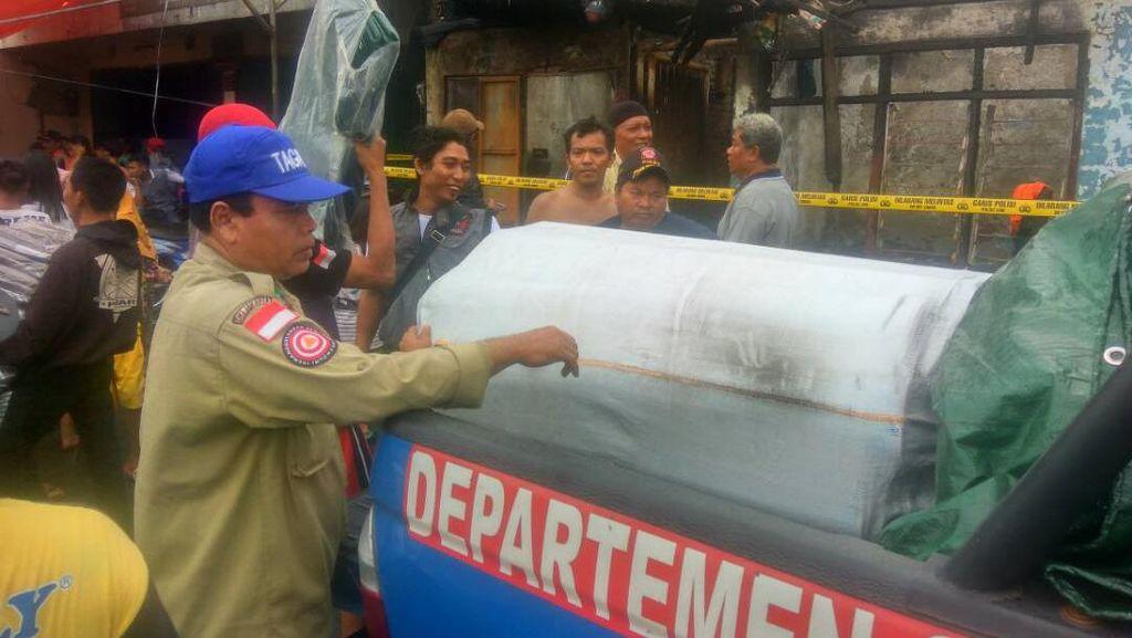 Kebakaran di Senen Jakarta Pusat Hanguskan 16 Unit Rumah