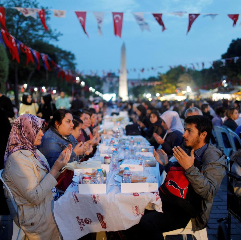Ramadhan Itu Bukan Sekedar Berpuasa