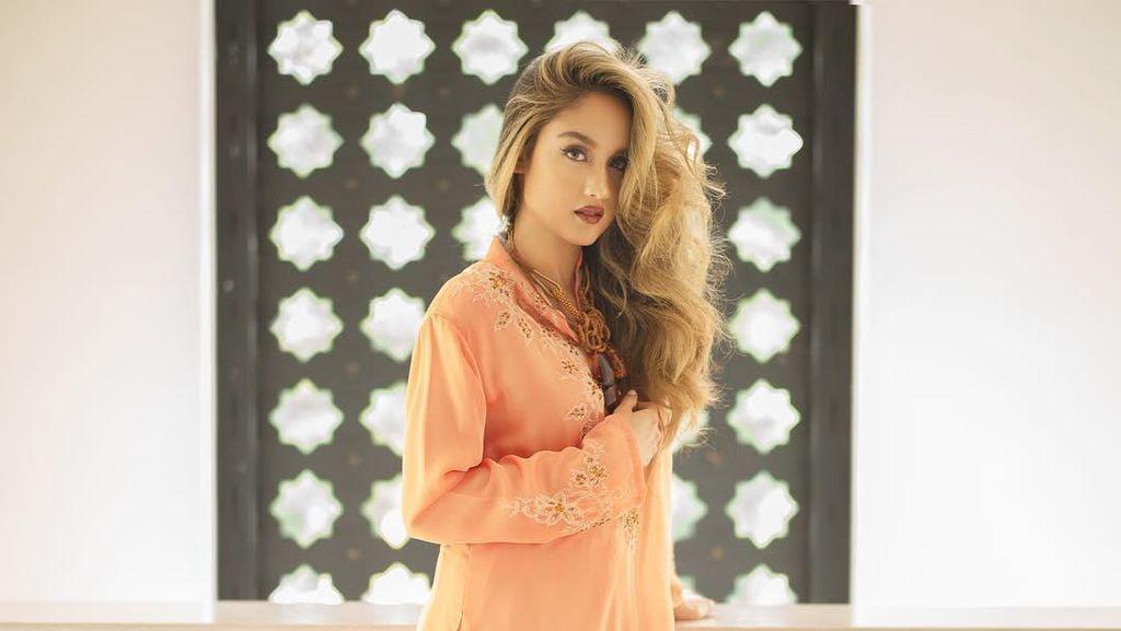 Jangan Ngiler! Cinta Laura Bergaya Bak Putri Maroko