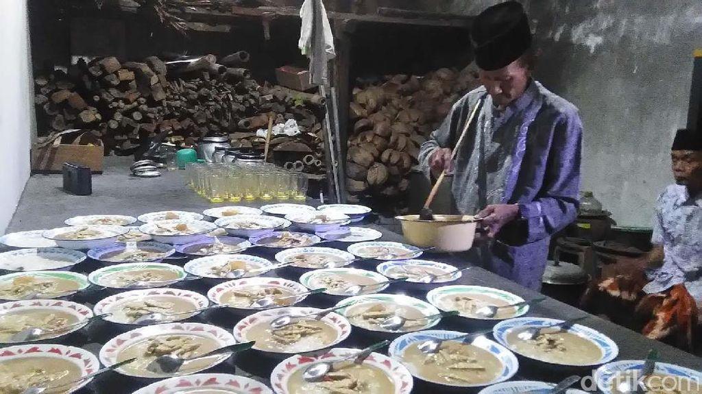 Takjil Bubur Sayur Lodeh Warisan Panembahan Bodho di Bantul
