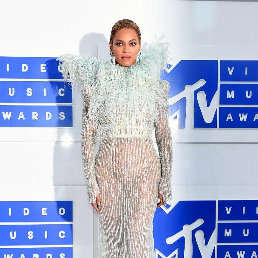 Beyonce Rilis Box Set Piringan Hitam Lemonade