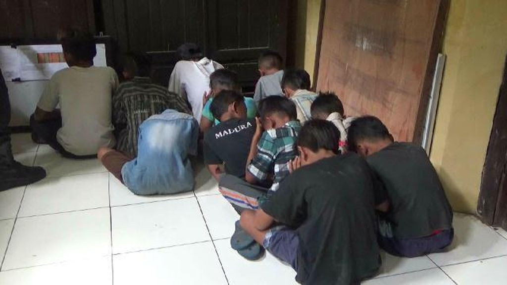 Lempari Kereta dengan Batu, 12 Anak di Probolinggo Diamankan