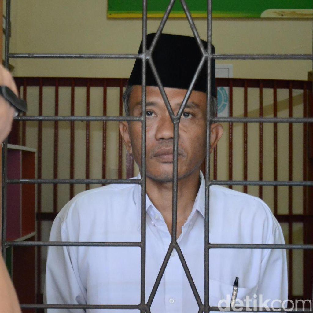 Dituntut 4 Tahun, Penulis Jokowi Undercover Yakin Divonis Bebas