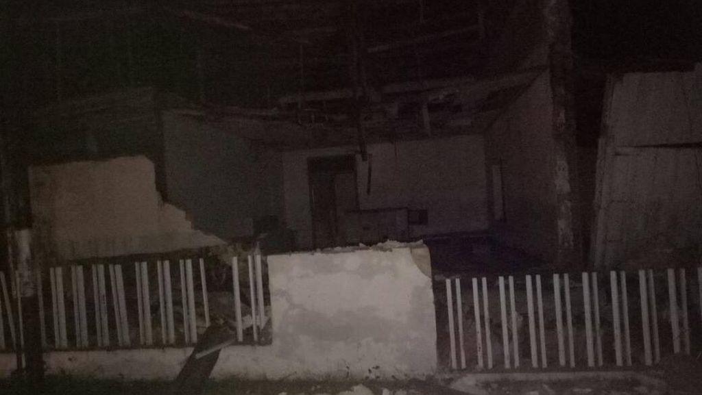 Sejumlah Bangunan Roboh di Poso Usai Diguncang Gempa 6,6 SR