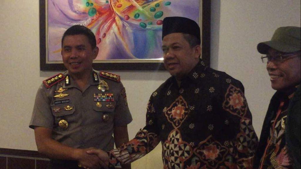 Ke Polres Jaktim, Fahri Hamzah Jenguk Auditor BPK yang Diciduk KPK