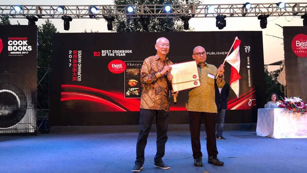 Buku Flavors of Indonesia dan Jakarta Bites Raih Penghargaan Gourmand World Cookbook Awards