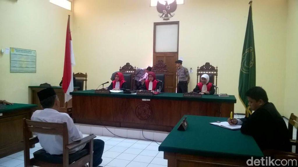 Divonis 3 Tahun Penjara, Penulis Buku Jokowi Undercover Banding