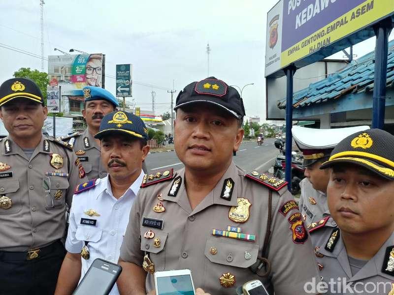 Arus Mudik, Pasar Tumpah Jadi Ancaman Kemacetan di Pantura Cirebon