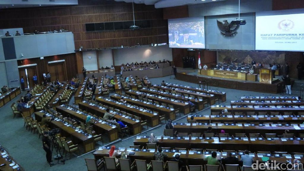 327 Anggota DPR Tak Hadir di Paripurna RAPBN 2018