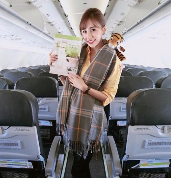 Namanya Rita Kao, pramugari maskapai Tiger Air. Foto: Instagram