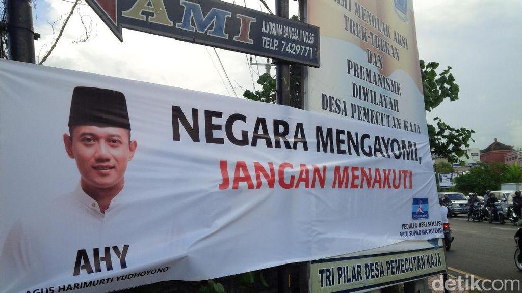 Spanduk dengan Foto Agus Yudhoyono Bertebaran di Bali