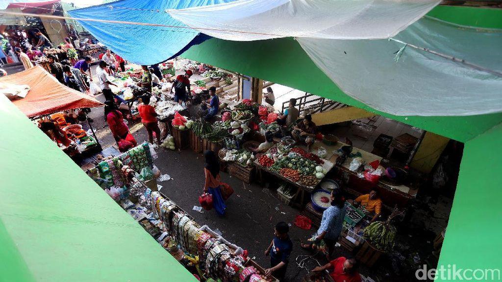 Aktivitas Pasar Kramat Jati Saat Ramadan