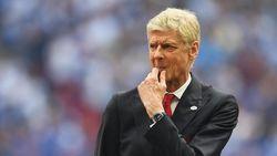 Wenger Dikabarkan Bertahan, Meme Ejekan untuk Arsenal Bermunculan