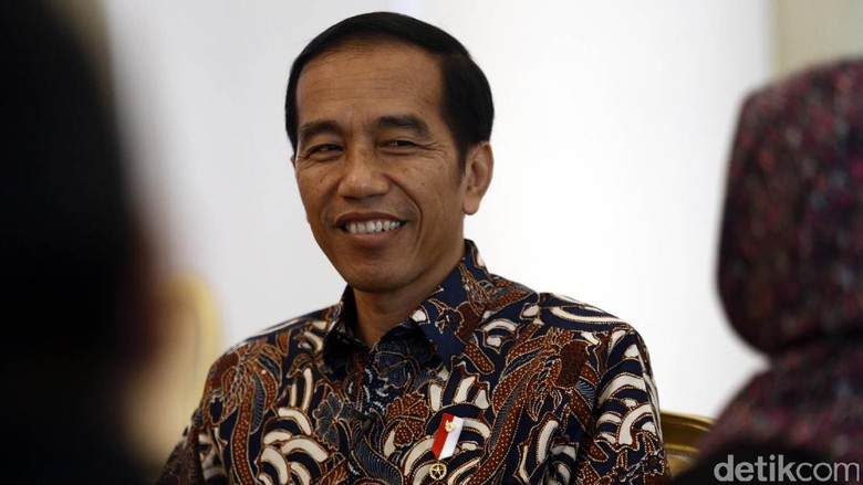Jokowi: Baru 56% PNS Terima Gaji Ke-14, Sisanya Maksimal Besok