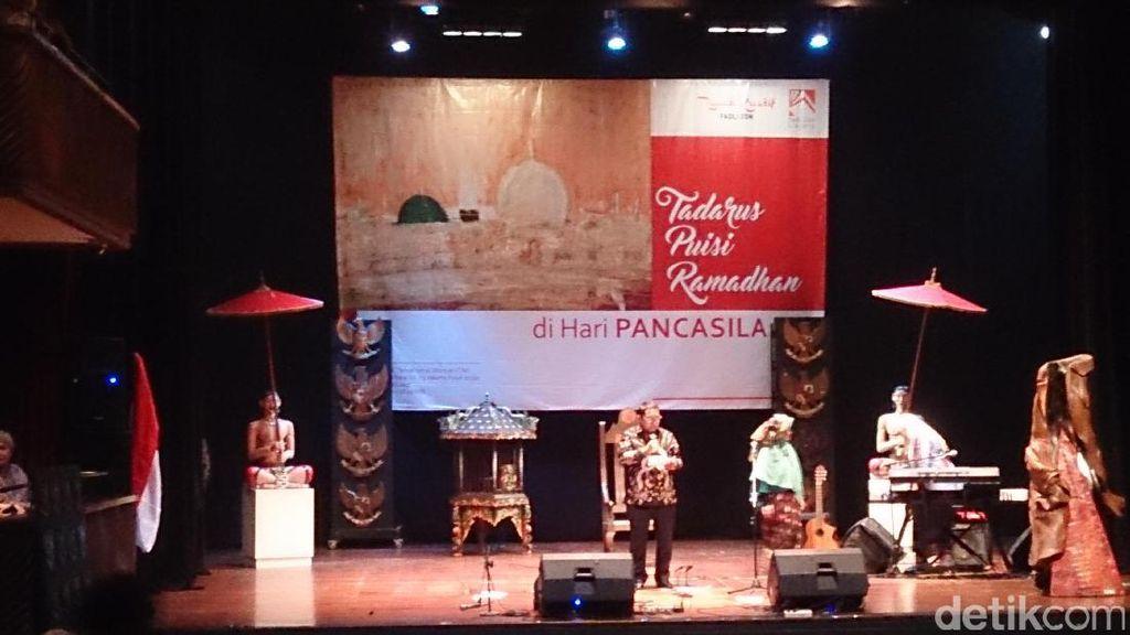 Anggota DPR Hingga Budayawan Berpuisi di Hari Lahir Pancasila