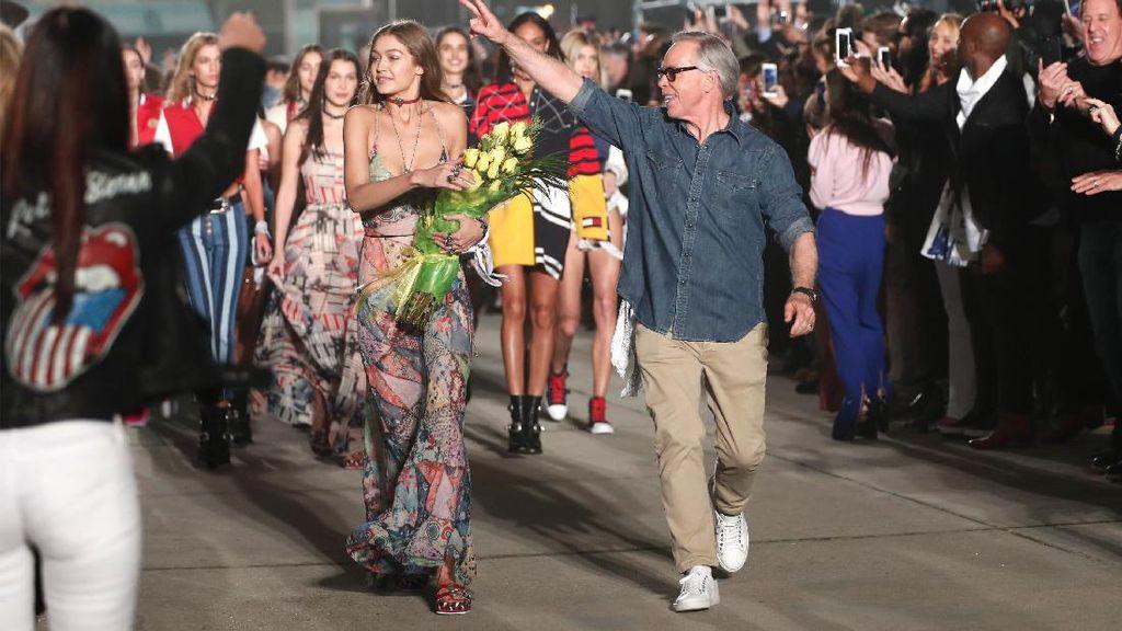 Gigi Hadid Gelar Fashion Show di Venue Konser Pink Floyd dan Jimi Hendrix