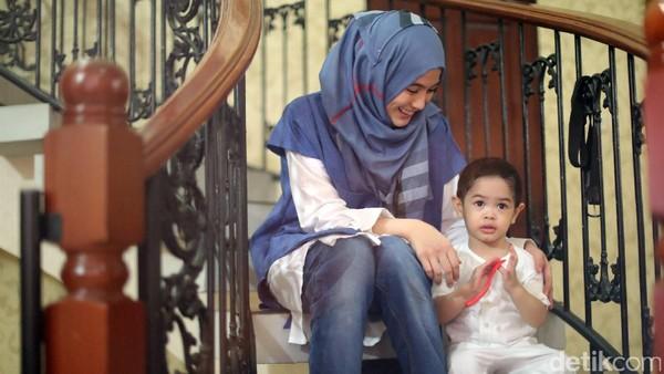 Tak Semua Orang Pandang Positif<i>Niatan</i> Hijrah Alyssa Soebandono