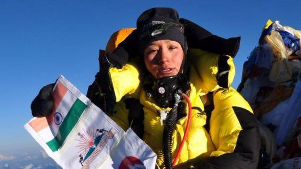 Perempuan Ini Naik ke Puncak Everest 2 Kali... Dalam Waktu 5 Hari!