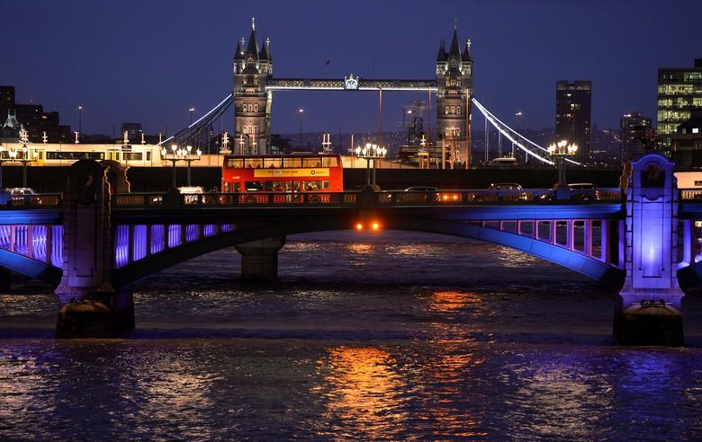 Mengenal London Bangunan Bersejarah yang - Jakarta London Bridge menjadi lokasi serangan teror pada Sabtu menewaskan orang tewas termasuk tiga Entah kenapa kali ini