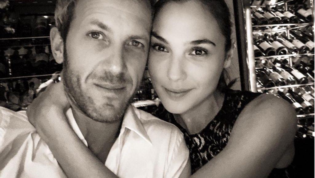 Kemesraan Gal Gadot dan Suami yang Bikin Iri