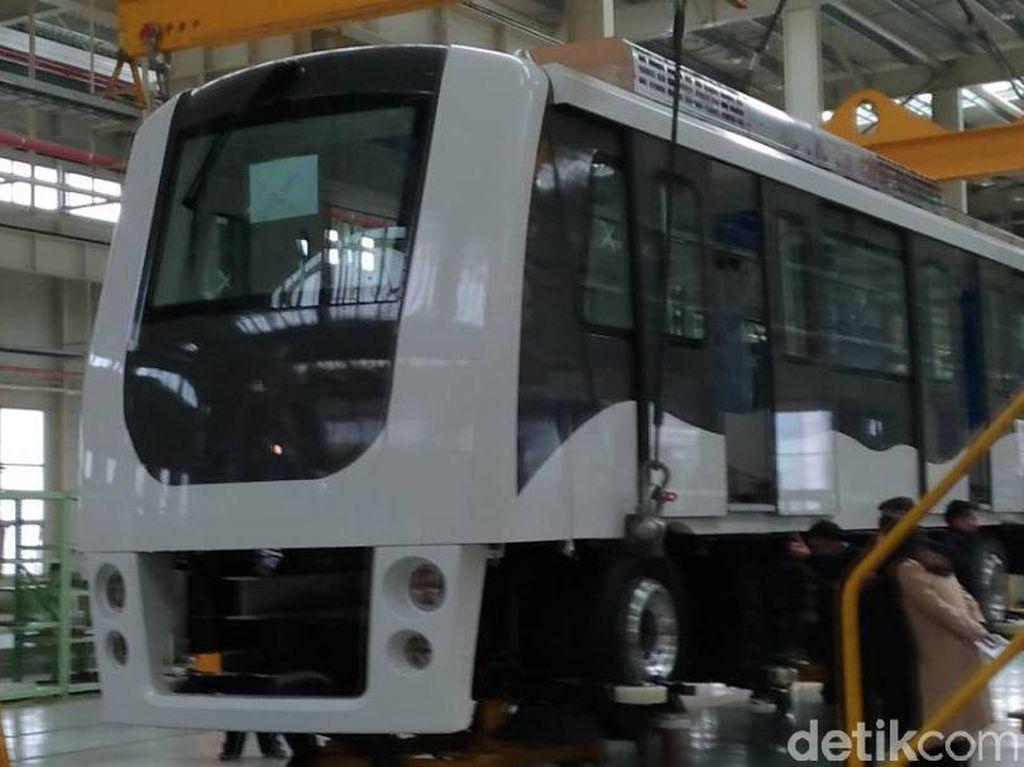 Skytrain Bandara Soekarno-Hatta, Kereta Tanpa Awak Pertama RI