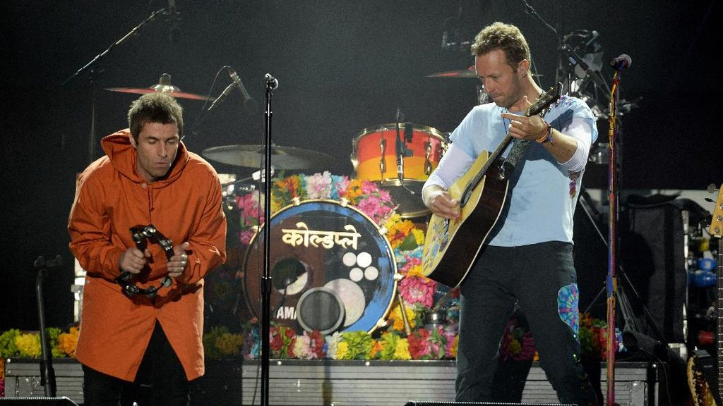 Kerap Olok-olok Coldplay, Liam Gallagher Minta Maaf ke Chris Martin