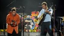 Kerap Olok-olok Coldplay, Liam Gallagher Minta Maaf ke Chris Martin