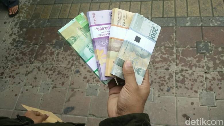 13 Bank Layani Tukar Uang di Monas Hingga 16 Juni