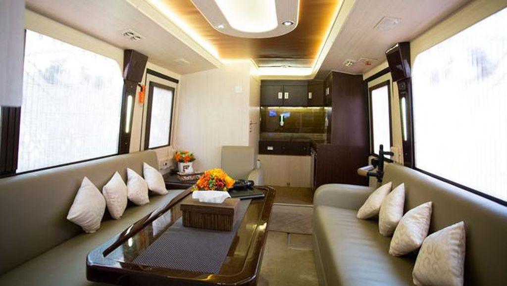 Fasilitas Mudik Naik Bus Mewah: Kursi Pijat Hingga Karaoke