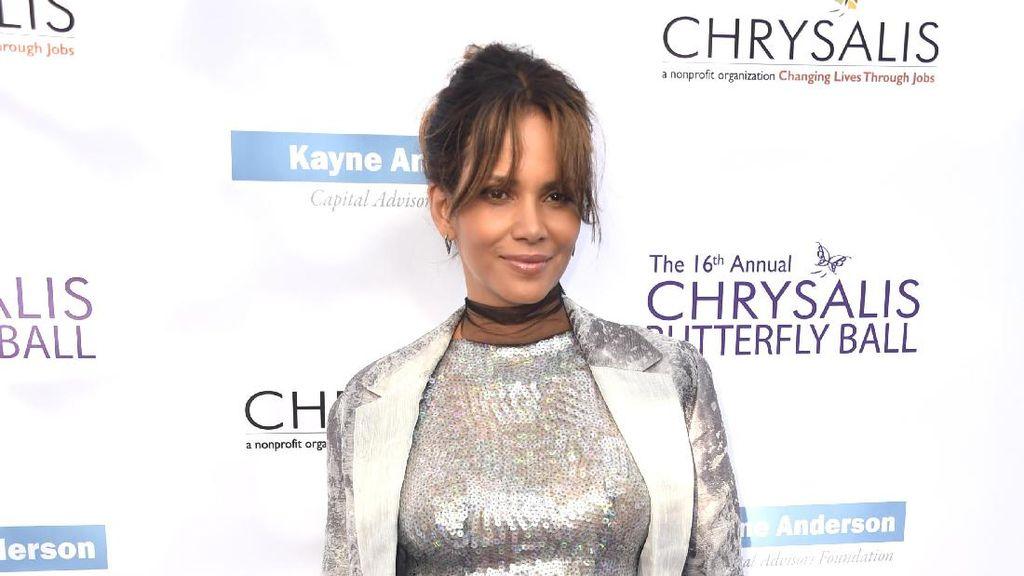 Halle Berry Tak Pernah Rayakan Ultah  dengan Pesta Mewah, Ini Alasannya