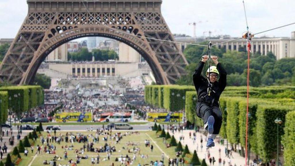 Pergi ke Menara Eiffel, Harus Buru-buru Coba Flying Foxnya