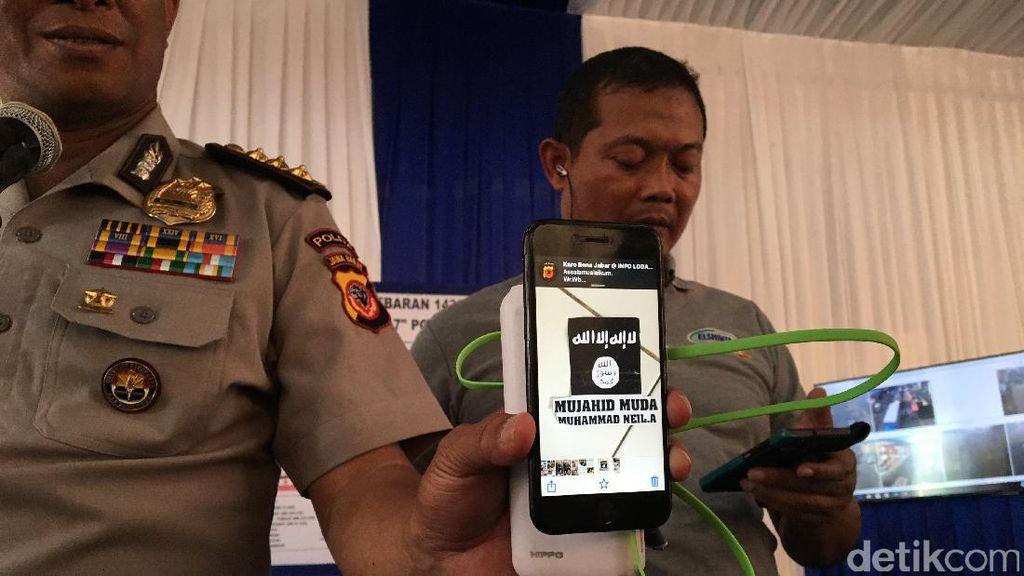 Geledah Rumah Terduga Teroris di Cileunyi, Polisi Temukan Logo ISIS